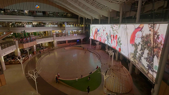 In Full Bloom: Eduardo Recife for China's Indigo Mall installation