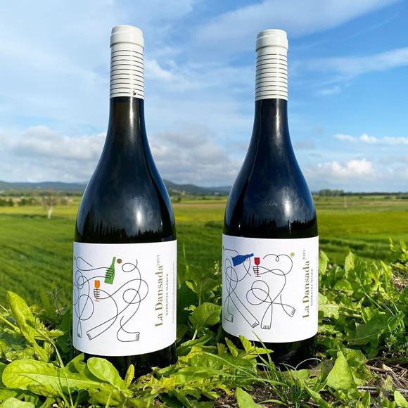 La Dansada wine labels by Jonathan Calugi