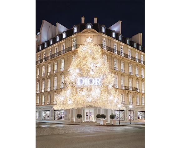 Wanda Barcelona Dior Christmas Tree